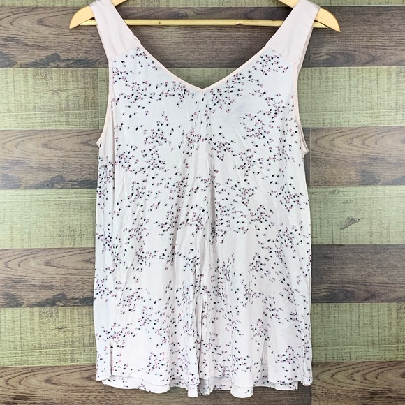 DH3 floral flowy tank with back button closure EUC